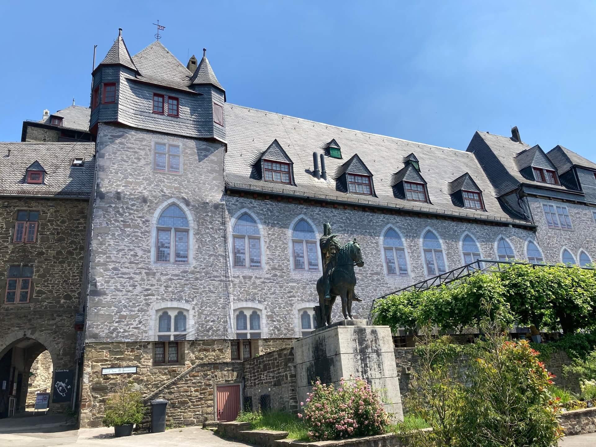 Sanierung Schloss Burg bis 2025